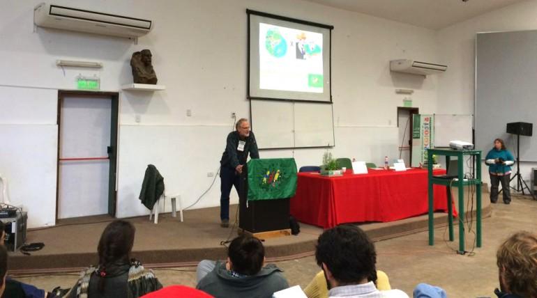 D2. Entre  la Institucionalidad y los Movimientos Sociales: la coyuntura internacional actual para la Agroecología